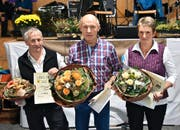 Das Siegertrio (von links): Klaus Kempf (3.), Sieger Gallus Schmid-Stadler und Ida Gisler-Imhof (2.). (Bild: Georg Epp (Seedorf, 26. November 2016))