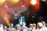 Hardy Nimi bei seinem Auftritt am Rapattack-Festival auf dem Landenberg. (Bild: Oliver Mattmann (Sarnen, 29. Juli 2017))