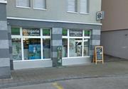 Hier wird die Post Beckenried künftig anzutreffen sein: Drogerie Ambauen an der Seestrasse. (Bild: Google Street View.)