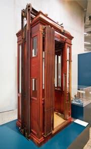 Liftkabine aus Mailand (um 1890). (Bild: A Museum London, MTMAD Lyon)