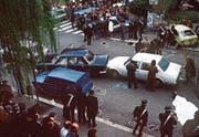 Im März 1978 wurde mitten in Rom der Wagen mit Aldo Moro gestoppt und der italienische Spitzenpolitiker entführt. Nach 55 Tagen fand die Polizei seine Leiche. (Bild: Keystone)