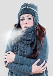 Unser Körper reagiert auf verschiedenen Ebenen auf eisige Temperaturen. (Bild: Getty)