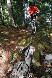 Bis die Biker, wie hier in Emmetten, die Giswiler Bike-Arena benützen können, wird es noch einige Zeit dauern. (Bild: PD)