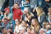 Kein Fussballfest: Auf den Zuschauerrängen blieb die Stimmung äusserst verhalten. (Bild: Eveline Beerkircher (Altdorf, 12. August 2017))