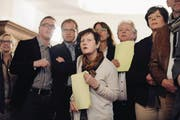 Sie sind an den Wahlen nur mehr Zaungäste: alt FDP-Präsident Boris Camenzind, alt Regierungsrätin Esther Gasser und CVP-Kantonsrätin Margrit Freivogel (vorne). (Bild: Corinne Glanzmann (Sarnen, 9. März 2014))