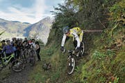 Ab nächstem Sommer sollen Biker, wie hier in Emmetten, in der Bike-Arena Giswil üben können. (Bild: Christian Perret (15. Mai 2012))