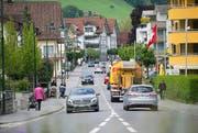 Die viel befahrene Brünigstrasse ist für die Kinder ein gefährlicher Schulweg. (Bild Corinne Glanzmann)