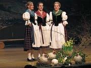 Jodlerterzett «Miär drii» (von links: Tamara Riebli, Fabienne Wolf und Luzia Zumstein). (Bild: Otmar Näpflin (Sachseln, 24. März 2018))