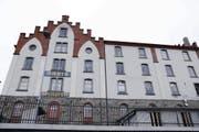 Fast identisch wie die Fassade des Hauses Felber ist jene des Hauses Untermüli. (Bild: Werner Schelbert / Neue ZZ)