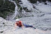 Der Bürgler Free-Solo-Speedkletterer Dani Arnold hat die 650 Meter lange Via Carlesso in den Dolomiten allein und ungesichert in 68 Minuten bezwungen. (Bild Mammut)