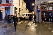 Bei einer Razzia in Moleenbeek wurden verschiedene Häuser durchsucht. Das Bild stammt vom 17. November. (Bild: AP / Geert Vanden Wijngaert)
