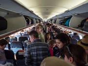 Dicht gedrängt und voll gefüllt: Flüge mit Billiglinien wie Easyjet sind laut einer schwedischen Studie im Schnitt umweltverträglicher als Linienflüge. (Bild: KEYSTONE/ALESSANDRO DELLA VALLE)