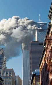 Der Terroranschlag vom 11. September 2001, hier auf die Türme des World Trade Centers, veränderte nicht nur die reale Welt. Sondern beflügelte auch Beschwörungstheoretiker. (Bild: Diane Bondareff/AP)