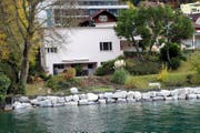 Blick vom See auf das Danioth-Haus. (Bild: Bruno Arnold)