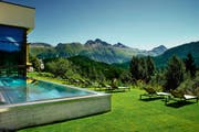 Spa mit Outdoor-Pool (Bild: PD)