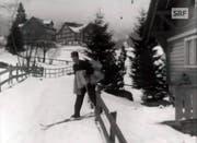 Auf Skiern ging es von Haus zu Haus. (Bild: SRF Archiv)