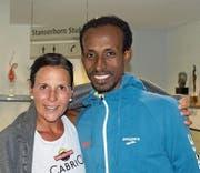 Die beiden Tagessieger Lucia Mayer aus Ennetbürgen und Tefera Mekonen aus Äthiopien. (Bild: Kurt Liembd (Stanserhorn, 2. Juli 2017))
