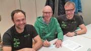 Sie haben gut lachen; von links: Bruno Küttel, Sepp Indergand und Rolf Furrer von der IG Radsport Uri. (Bild: PD (Silenen, Dezember 2017))