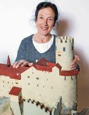 Marie-Therese Zgraggen ist fasziniert vom Mittelalter.Bild: Gian Vaitl (Oensingen, 4. März 2017)