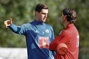 FCL-Stürmer Tomi Juric (links) im Gespräch mit Trainer Gerardo Seoane. (Bild: Martin Meienberger/Freshfocus (Marbella, 15. Januar 2018))