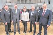 Diese fünf Regierungsräte treten am 4. März für eine weitere Legislatur an (von links): Res Schmid (SVP, Emmetten), Othmar Filliger (CVP, Stans), Karin Kayser (CVP, Oberdorf), Josef Niederberger (CVP, Oberdorf) und Alfred Bossard (FDP, Buochs). (Bild: Urs Flüeler/Keystone (Stans, 19. Februar 2018))