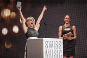 Bei den letzten Swiss Music Awards konnte Beatrice Egli jubeln. Im Hintergrund: Triathletin Daniela Ryf. (Bild: Ennio Leanza/Key (Zürich, 10. Februar 2017))