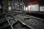 Am Bahnhof Luzern müssen so oder anders die Kapazitäten erhöht werden. (Bild: Archiv, Luzerner Zeitung / Luzern, 20.01.2009)