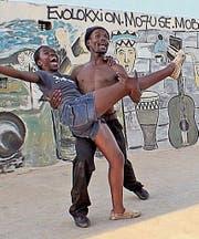 Beim Tanzen vergessen die jungen Leute der Townships das Elend ihres Alltags.