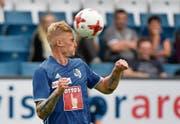 So energisch will sich Marvin Schulz mit seinen FCL-Teamkollegen gegen GC einsetzen. (Bild: Martin Meienberger/Freshfocus (Luzern, 23. Juli 2017))