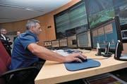 Das Einsatzleitsystem Avanti wird die Arbeit in der Einsatzzentrale Flüelen erleichtern und beschleunigen. (Bild: Urs Hanhart / Archiv «Urner Zeitung»)