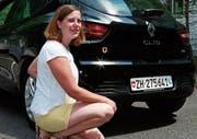 Petra Bissig: «Die Urner sagen, das Schönste an meinem Auto sei der Aufkleber.» (Bild: zf (Altdorf, 21. Juli 2017)