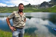 Gusti Berchtold ist für die Fischerei in den drei Bergseen auf der Frutt verantwortlich. (Bild: Romano Cuonz, Obwaldner Zeitung / Melchsee-Frutt, 26. Juni 2017)