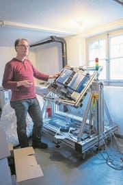 Reportage aus dem Institut für Medizintechnik. Fotografiert am 20. Februar 2018 in Hegiswil NW. Im Bild: Dr. Bernd Rattenbacher LZ Boris Bürgisser (Bild: Boris Bürgisser (Hergiswil, 20. Februar 2018))