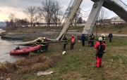 Die Brücke war am Samstag eingestürzt. (Bild: Twitter/Filip Horky)