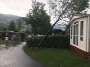 Ein Gewitter hat am 1. August vor allem in Obwalden gewütet. Hier Bilder vom Campingplatz in Sarnen. (Bild: Radio-Pilatus-Hörer Roger)