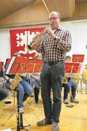 Reto Blättler spielt nicht nur mit, sondern hat auch den «Nidwaldner Marsch» komponiert. (Bild: Christoph Näpflin (Emmetten, 3. Januar 2018))