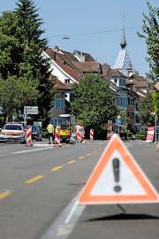 Die Stützmauer an der Isenthalerstrasse muss verankert werden. (Symbolbild) (Bild: Stefan Kaiser / Neue ZZ)