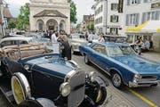 Sollen die Motorfahrzeugsteuern – im Bild das Oldtimertreffen in Sarnen – vorab für alte Fahrzeuge erhöht werden? (Bild: Robert Hess (24. Mai 2015))
