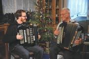 Es harmoniert: unser Autor Florian Arnold im Zusammenspiel mit Jonny Gisler. (Bild: Urs Hanhart (4. Januar 2018))