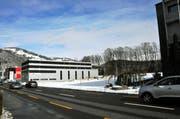 Auf dieser Parzelle in Oberdorf soll das neue Produktionsgebäude entstehen. (Bild: Oliver Mattmann)