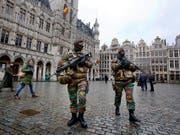 Seit den Terroranschlägen in Brüssel vom November vergangenen Jahres ist die Nervosität in Belgien gross. (Aufnahme von der Grand Place in Brüssel am 24. November 2015) (Bild: KEYSTONE/AP/MICHAEL PROBST)