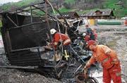 Windsturm hat in Dallenwil am 12. März 2008 grossen Schaden angerichtet. Ein Bauwagen ist in Brand gekommen. (Bild: Corinne Glanzmann (Neue LZ) (Neue Nidwaldner Zeitung))
