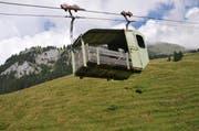 Eine unter vielen: Die Kleinseilbahn vom Spies auf die Alp Sinsgäu. (Bild: Matthias Piazza / Neue NZ)
