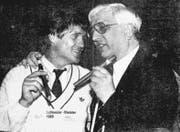 10. Juni 1989: Der Präsident feiert mit Trainer Friedel Rausch die Meisterschaft . Es gab Freudentränen, und Romano Simioni rauchte die erste Zigarre seines Lebens. Sie bekam ihm gar nicht gut. (Bild: Archiv LZ)