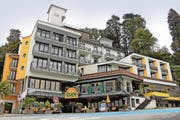 Das Hotel Eden an der Brunner Seepromenade. Bild: Christoph Clavadetscher (7. Oktober 2016)