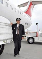 Der Mann und sein Flugzeug: Swiss-Pilot Thomas Hess mit dem Jumbo-lino in Venedig. (Bild: Wolfgang Holz / Neue ZZ)