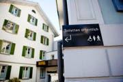 Wer will, kann hier mal müssen: Die Toiletten der «Metzgern» in Sarnen sind nun öffentlich. (Bild Corinne Glanzmann)