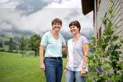 Pia Knarston- Wallimann (rechts) war im Juli für ein paar Tage zu Besuch bei ihrer Schwester, der Alpnacher Gemeinderätin Sibylle Wallimann. (Bild Corinne Glanzmann)