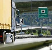 Für Ständerat Markus Stadler sind weniger LKW im Gotthard-Strassentunnel ein vorrangiges Bedürfnis. (Bild: Urs Flüeler/Keystone)