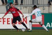 Florian Müller (links) schoss am Samstag den Siegtreffer für Cham. Hier im Spiel gegen den FC Zürich II. Bild Roger Zbinden 28.10.2017 (Bild: Roger Zbinden (Zuger Zeitung))